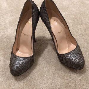 christian louboutin shoes size 37.5